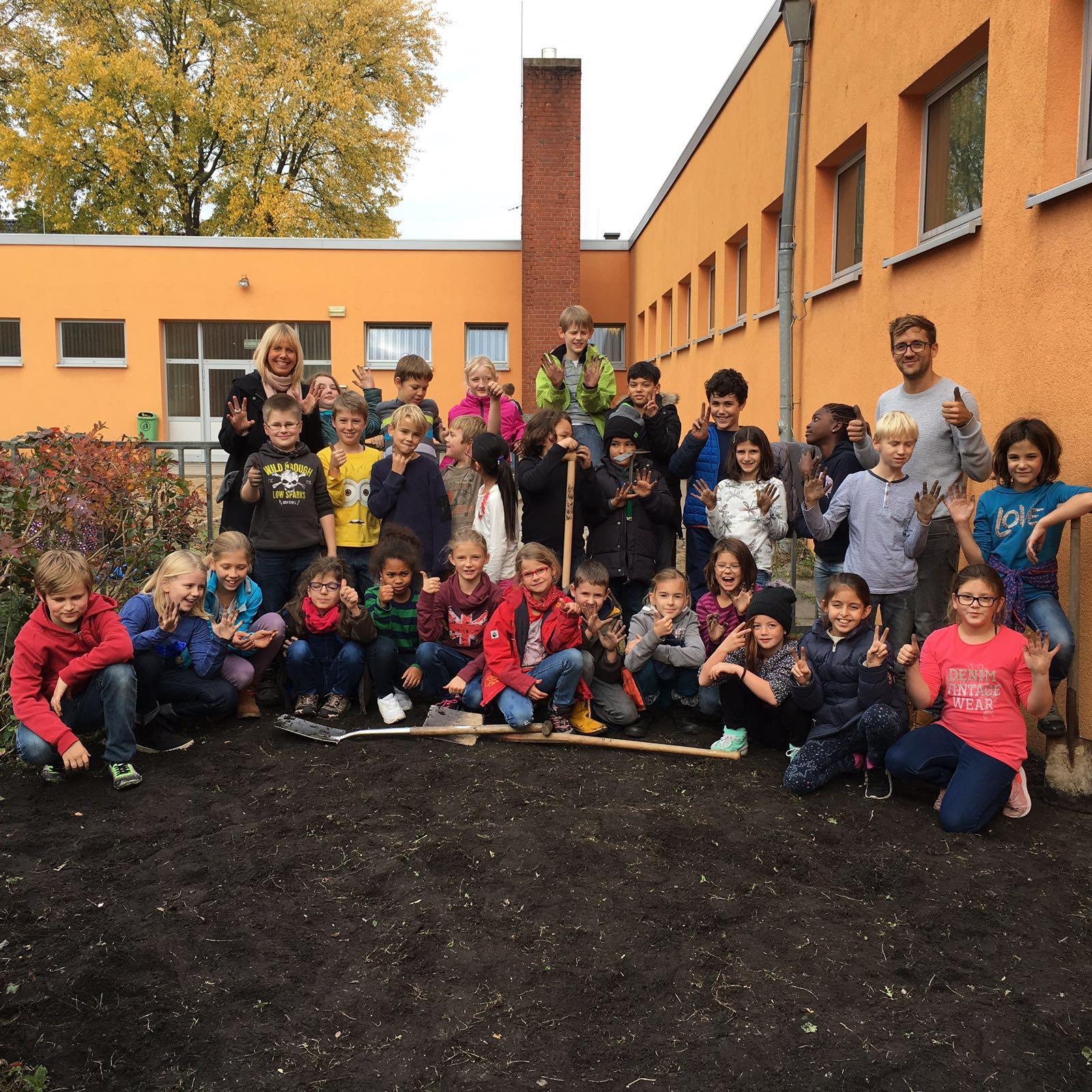 Schulgarten_8.JPG